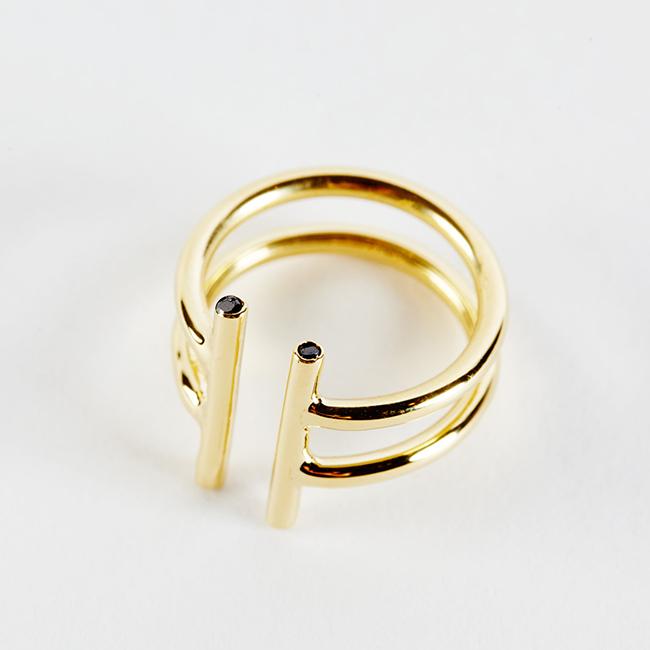 1-Non-Ring-with-black-diamonds