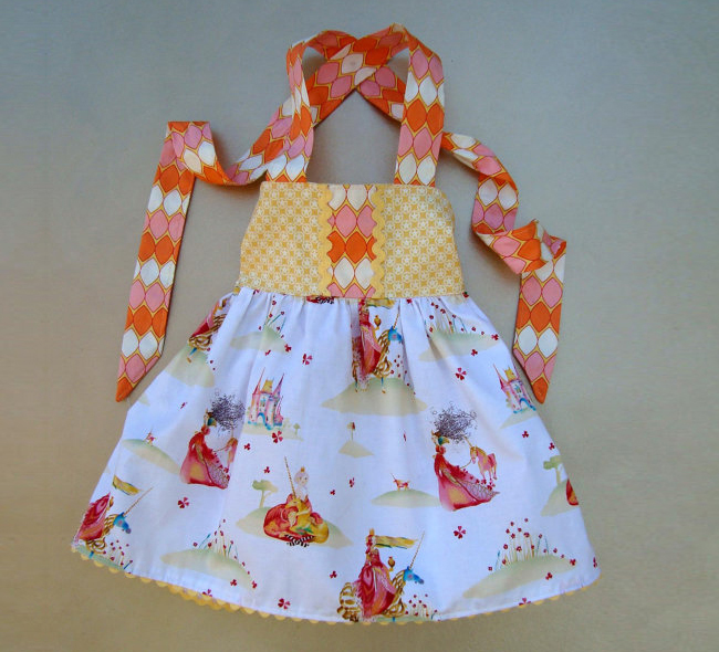 princess-dress-masha-dyans-fabric